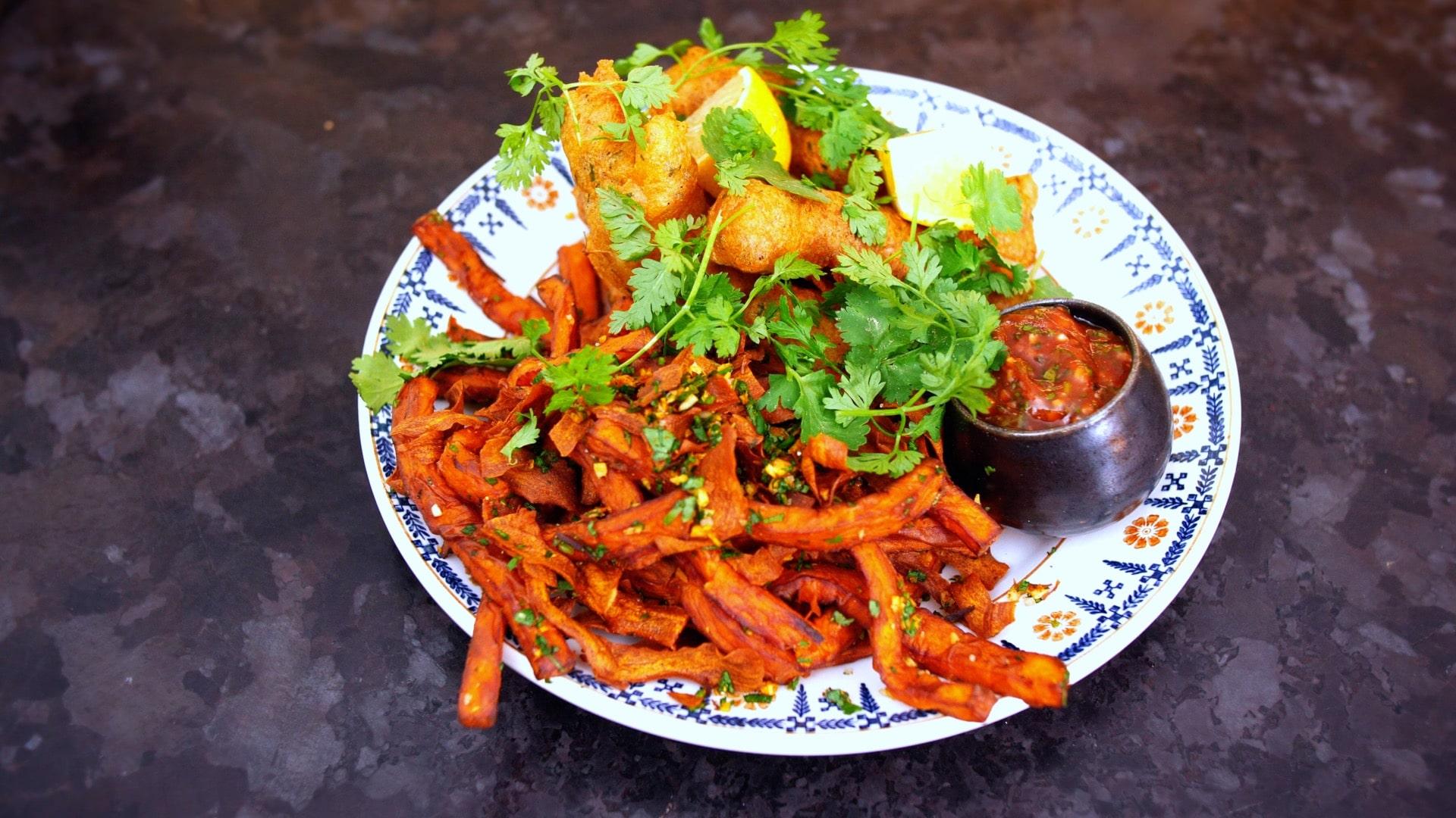 Fraise de veau en tempura sauce épicée et frites de patate douce by Scotchman